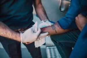 como-sao-tratadas-as-feridas-dentro-de-uma-clinica-especializada-cepelli