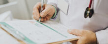 tratamento-de-escaras-causas-e-sintomas